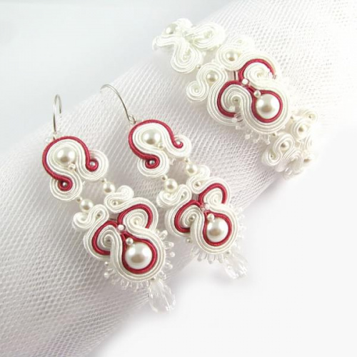 Hand embroidered bridal jewelry