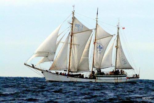 S/y Zawisza Czarny na pełnym morzu.Żaglowiec spotkaliśmy w sobotę w czasie wyprawy na dorsze w okolicach Łeby.