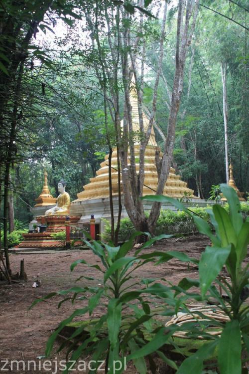świątynia w wiosce plemienia Mon #Tajlandia