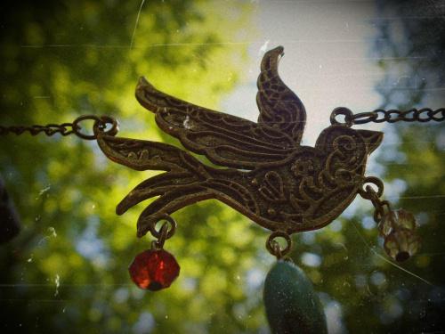 #makro #park #przedmiot #ptak #wisiorek
